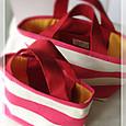 ピンクボーダーの帆布バッグ