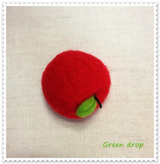 羊毛フェルトピンクッション りんご